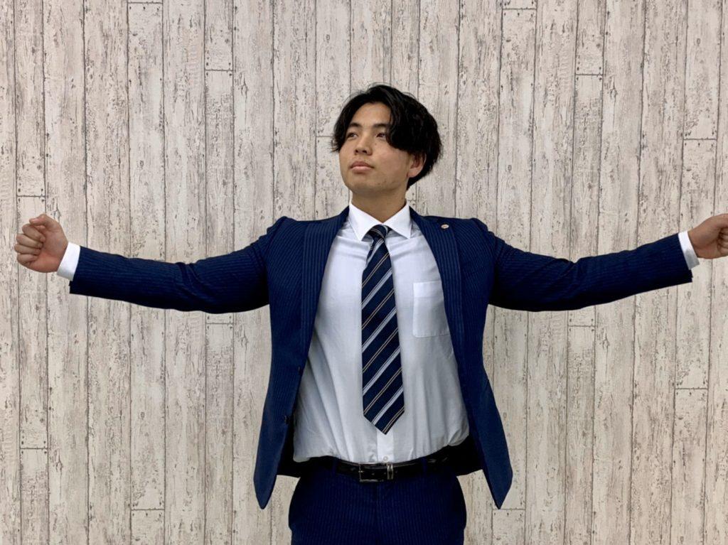 嶺 翔太郎(みね しょうたろう)/大学4年生。2020年2月にAP生へと昇格し、マネージャーに就任。「ロニー・コールマンのようなマネージャー」と自負しており、日々マネージャー業務と筋トレに励んでいる。